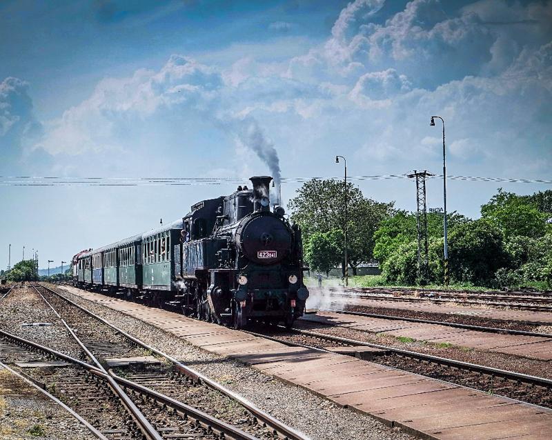 Parní vlak