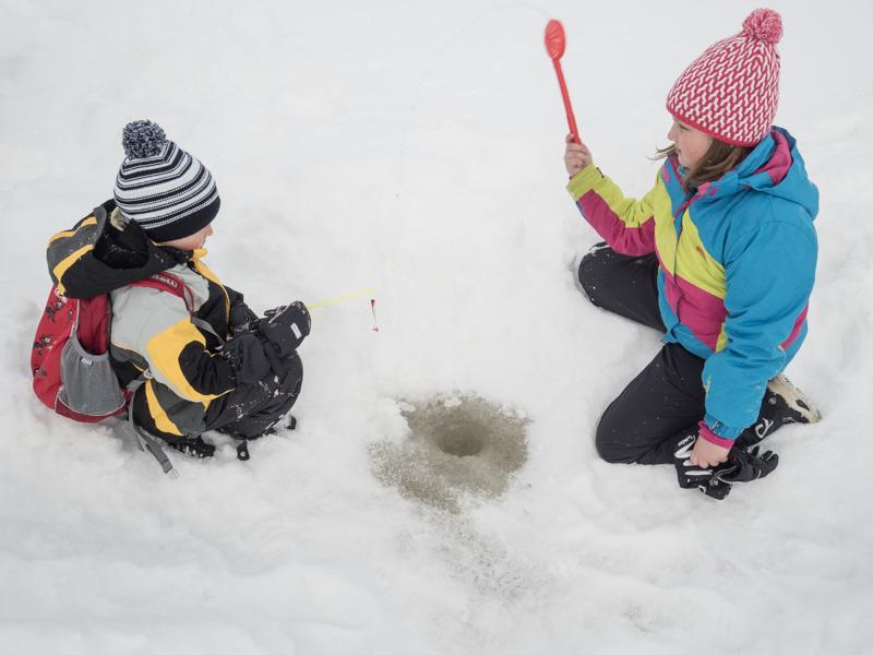 Chytání ryb v ledu