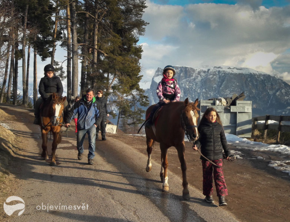 Jižní Tyrolsko z koňského hřbetu zažijete na náhorní planinně Ritten/Renon