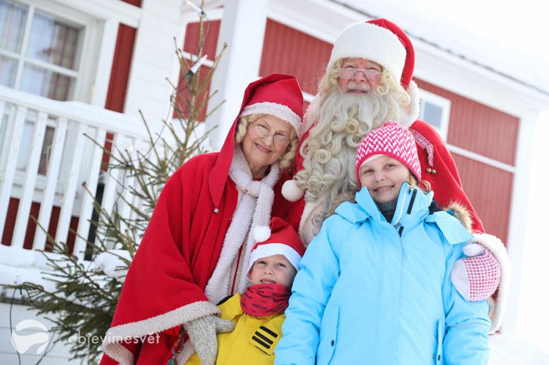 Santa a děti ve Finsku