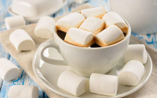 Káva s marshmellows