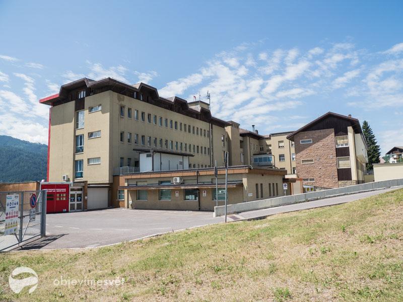 Nemocnice v Cavalese.