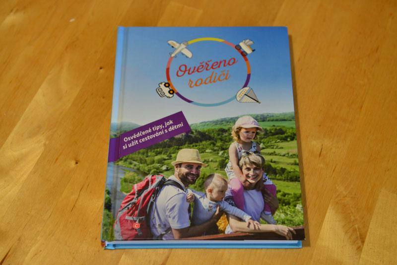 Kniha Ověřeno rodiči
