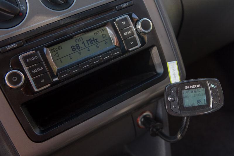 Modulátor na hudbu z flash disku