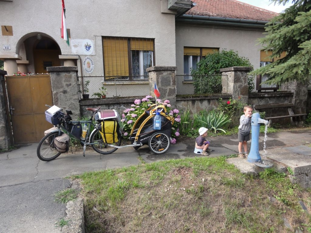 Cyklisti s dětmi
