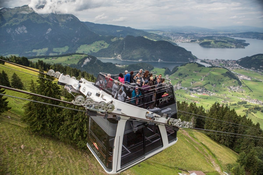 Lanovka na Stansernhorn ve švýcarsku