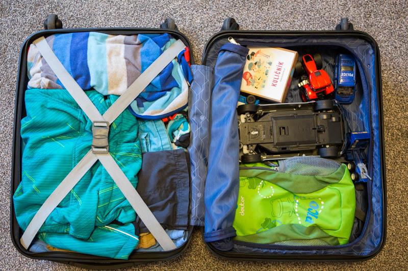 Sbalený kufr.