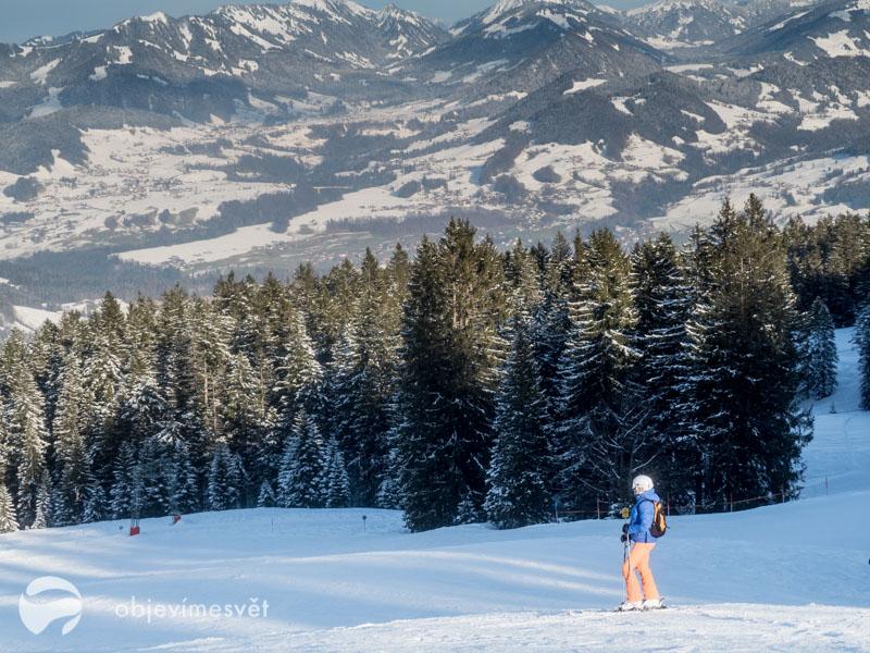 Výhledy ze ski areálu Bödele.