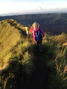 Cesta na Gunung Batur s dětmi