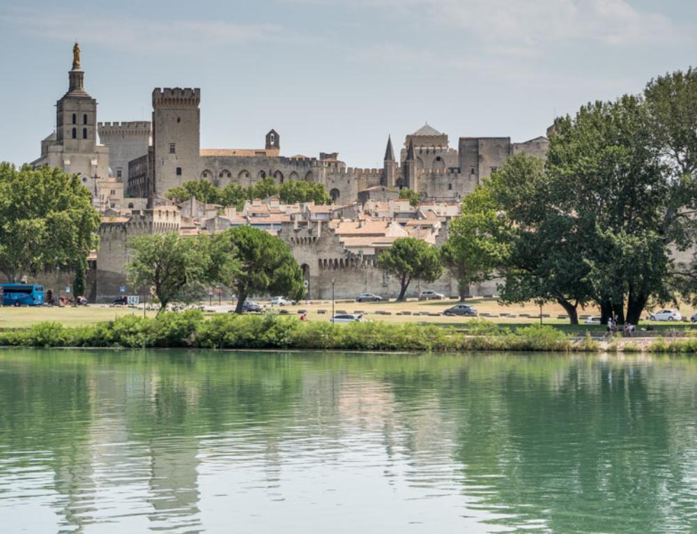 Avignon s dětmi. Známý most i dobrodružství v papežském paláci!