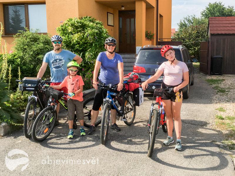 Rodinný výlet na kolech